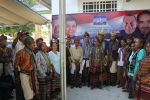 Foto Bersama Paket BOZE dan Masyarakat Kabupaten Kupang